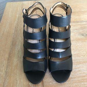 Splendid leather caged sandal